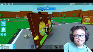 BEN RIDES THE SKATEBOARD AND FIGHT WITH OTHER TEAMS IN ROBLOX 4 PLAYER FORNITE TYCOON