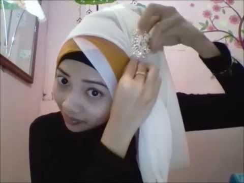 ini my first time tutorial video utk hijab, maafkan jika kurang baik ya guys. matt : jilbab segiempat paris 2 buah ini digunakan untuk....