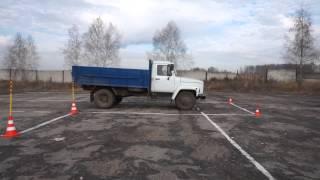 Выполнение упражнения параллельная парковка грузового автомобиля