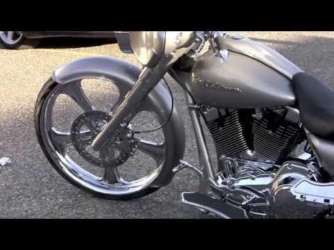 Bert Jones Interview - Custom 2009 H-D Street Glide Harley - Chopp Shop