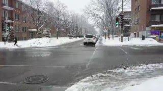 Rue de Montréal sous la neige tombante