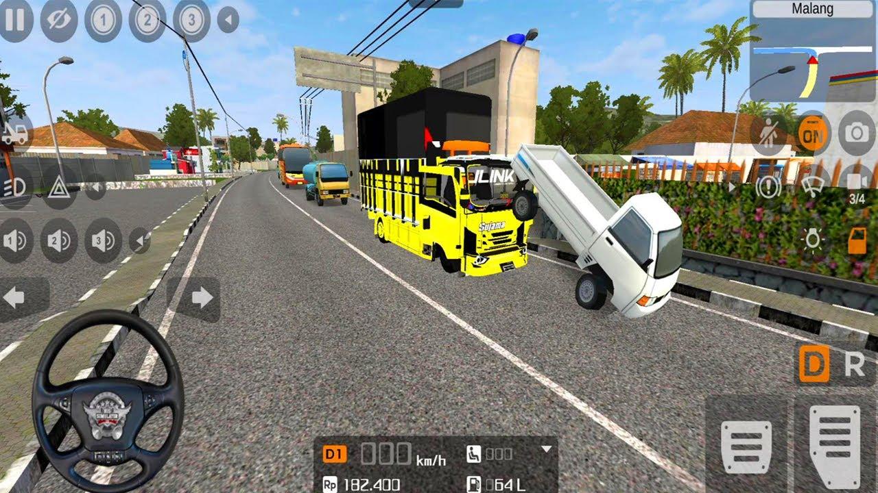 Mobil Truk Oleng Simulator Nabrak Mobil Pickup