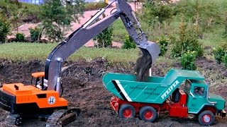 RC EARTHWORK SCALE MODEL CONSTRUCTION MACHINES AT WORK / Faszination Modellbau 2015