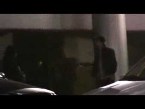 ROBERT PATTINSON & KATY  PERRY Arrived At HOTEL (12/17/09)