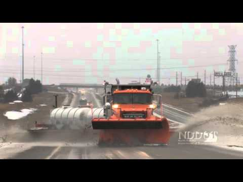 NDDOT - Tow Plow operations - YouTube