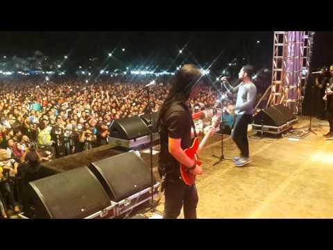 Andra And The Backbone - HITAMKU at Kediri 2016