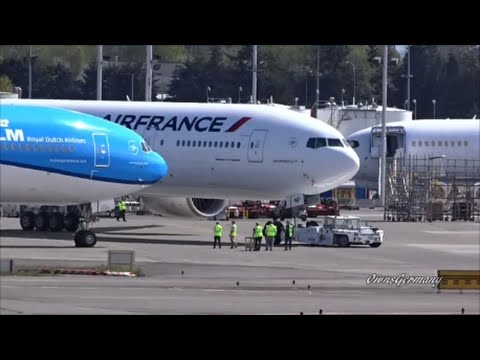 2 New KLM & Air France Boeing 777-300ER's Put Together For PhotoShoot @ KPAE Paine Field
