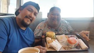Hablando español/comiendo/desayuno de McDonalds con mi esposo/un poco de historia