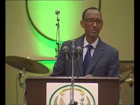 President Kagame addressing Rwanda Uganda Business Forum Dinner- Kigali, 11 October 2013