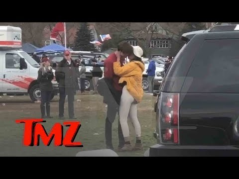 Malia Obama Kissing, Tailgating at First Harvard Yale Game | TMZ