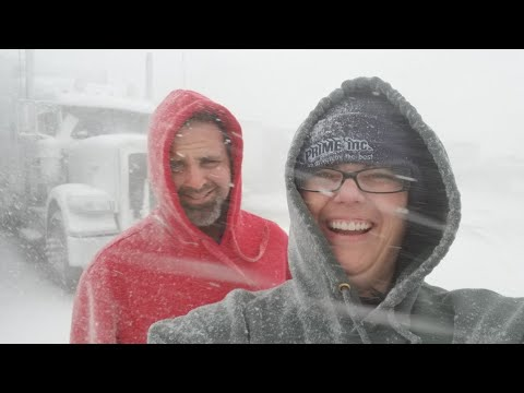 Trapped in Blizzard XANTO 2018 (Trucking with Selena Vlog #56)