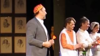 Благодарная Москва провожает Коляда-театр