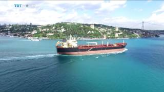Video Money Talks: Ship traffic on the Bosphorus, Iolo ap Dafydd reports download MP3, 3GP, MP4, WEBM, AVI, FLV Agustus 2018
