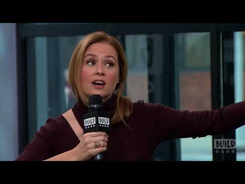 Jenna Fischer's Painfully Awkward Hug With Larry David