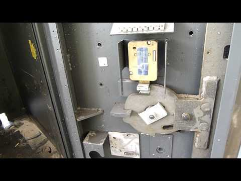 NCR ATM Strongbox Teardown