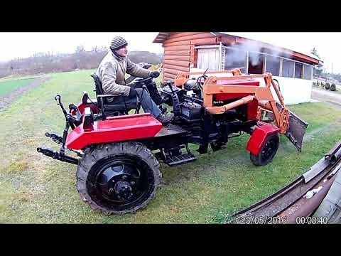 dve-minet-na-traktore-striptiz-devushek-smotret