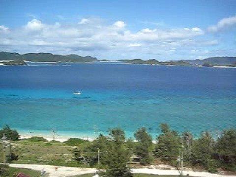 阿嘉島のニシ浜を展望台から一望