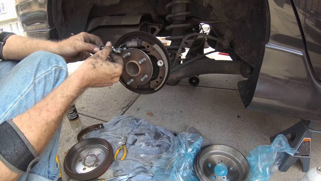 hight resolution of 2007 toyota corolla s drum brakes replacement