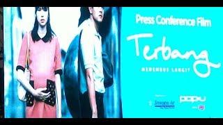 Video Terbang  Menembus Langit Official Trailer   Tayang Di Bioskop 19 April 2018 download MP3, 3GP, MP4, WEBM, AVI, FLV Juli 2018