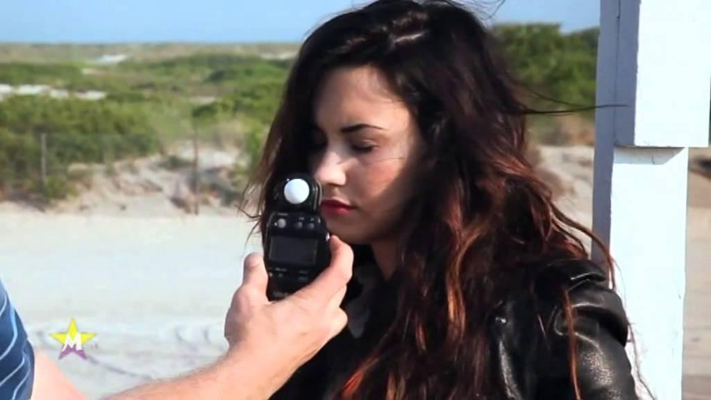 Download Demi Lovato - Made in the USA (Music video)