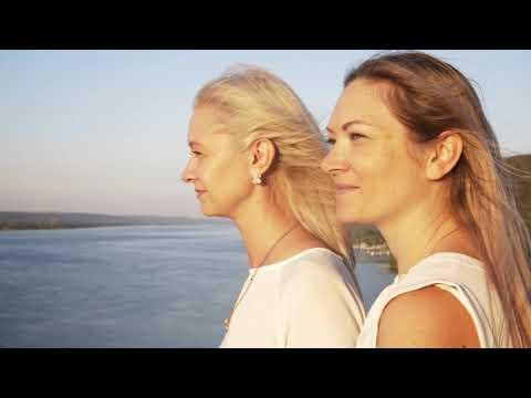 Видео поздравление мамы с юбилеем от любящих дочерей
