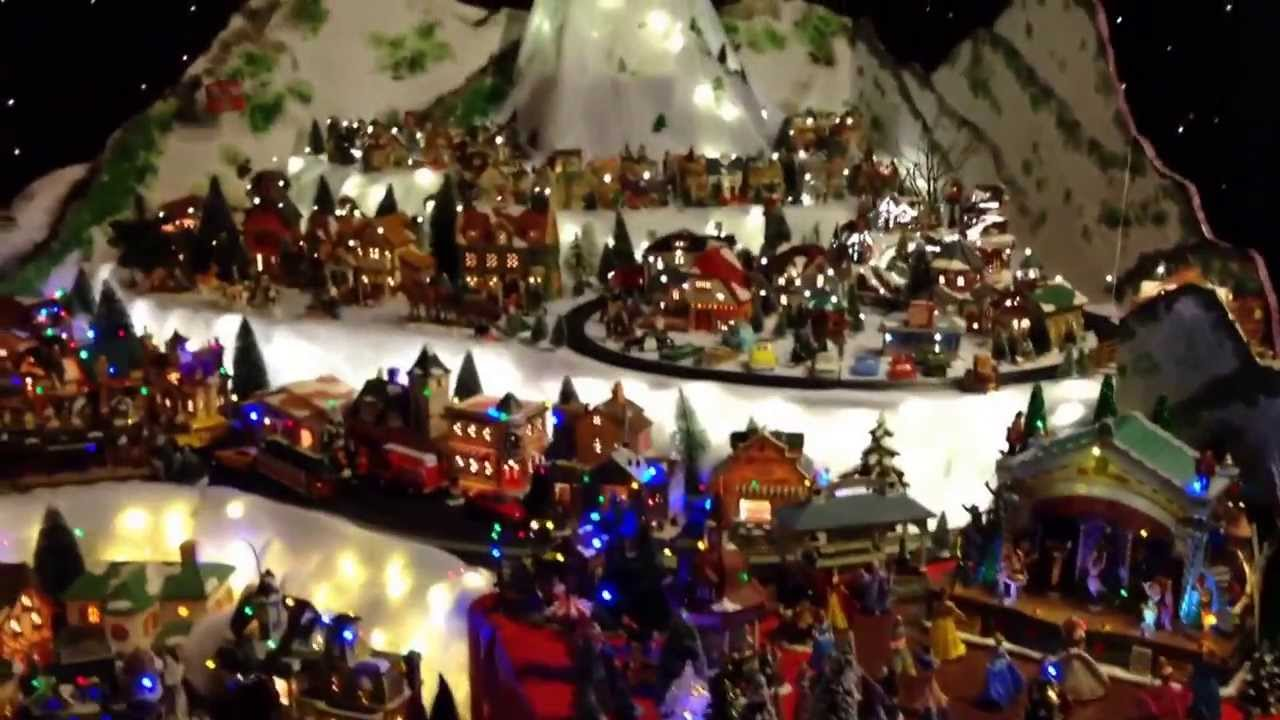Christmas town village and train set in Alvin - YouTube