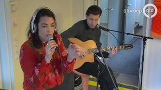 Caro Emerald - A Night Like This (Live bij Radio Gelderland)