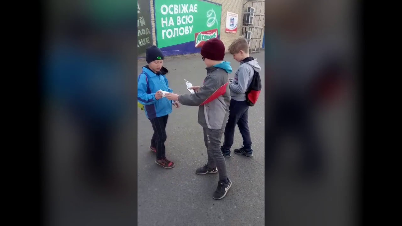 Переселенцы Донетчины раздают маски