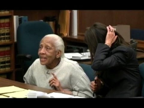 Elderly woman caught for theft of jewel