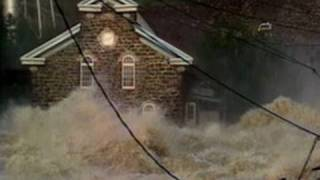 30 Foot Flood Washes Away Houses