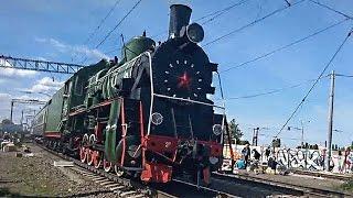 Старинный паровоз на Киевской железной дороге(Экскурсионный ретро-поезд с паровозом серии Л 1953 года выпуска. Прибытие поезда Arriving by train., 2015-09-14T19:46:41.000Z)