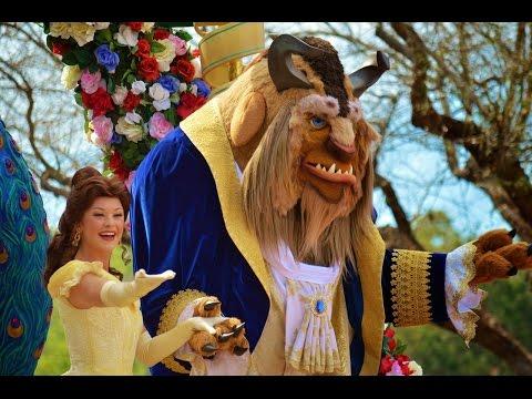 Встречаемся с принцессой Бель из мультика Красавица и Чудовище в парке Дисней Орландо.