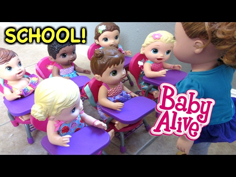 BABY ALIVE Maggie Introduces Herself In School!