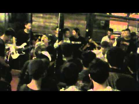 Helena On Fire - intro + Passion at Fliegen House Of Beer Semarang