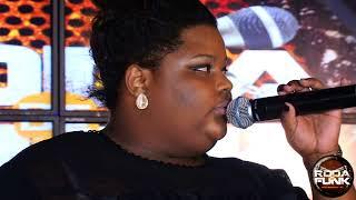 MC Carol :: Ela está de volta mais ousada do que nunca ao vivo na Roda de Funk ::