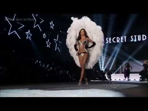 Bruno Mars  ,HD, Young Girls , Live  At Victoria's Secret Fashion Show  ,HD 720p