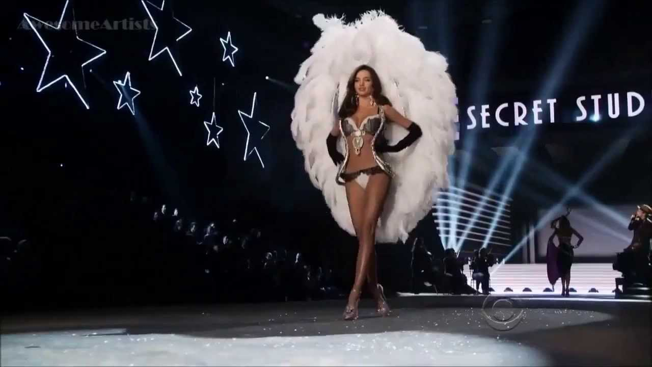 Bruno Mars Live Victoria S Secret Fashion Show
