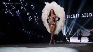 bruno mars hd young girls live at victoria s secret fashion show hd 720p