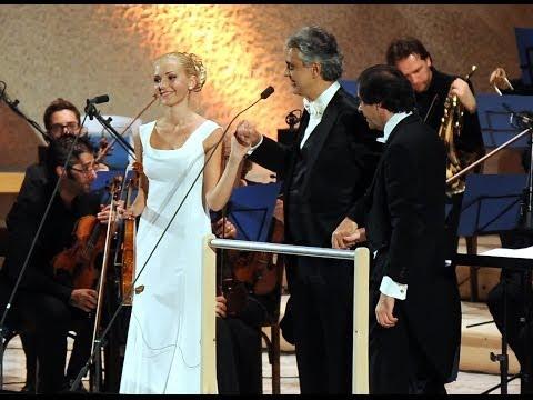 Andrea Bocelli - Anastasiya Petryshak  Ave Maria