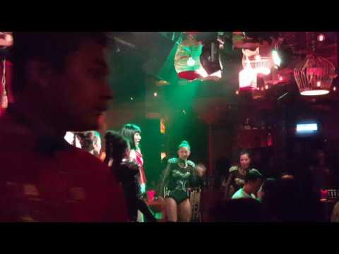 Noche de cabaret en Suzie Wong