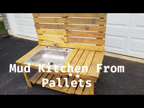 kid's-mud-kitchen-made-from-old-pallets