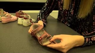 видео Как правильно покупать ортопедическую обувь для детей
