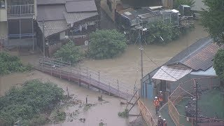 桂川が氾濫した京都・嵐山の渡月橋、土砂崩れが起きた大阪府高槻市