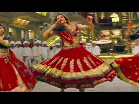 Padmavati - Deepika Padukone Ghoomar Dance