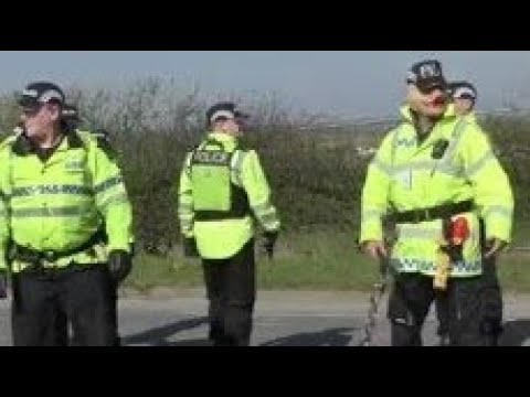 ANTI FRACKING BLACKPOOL BEZ - POLICE BRUTALITY @ PNR