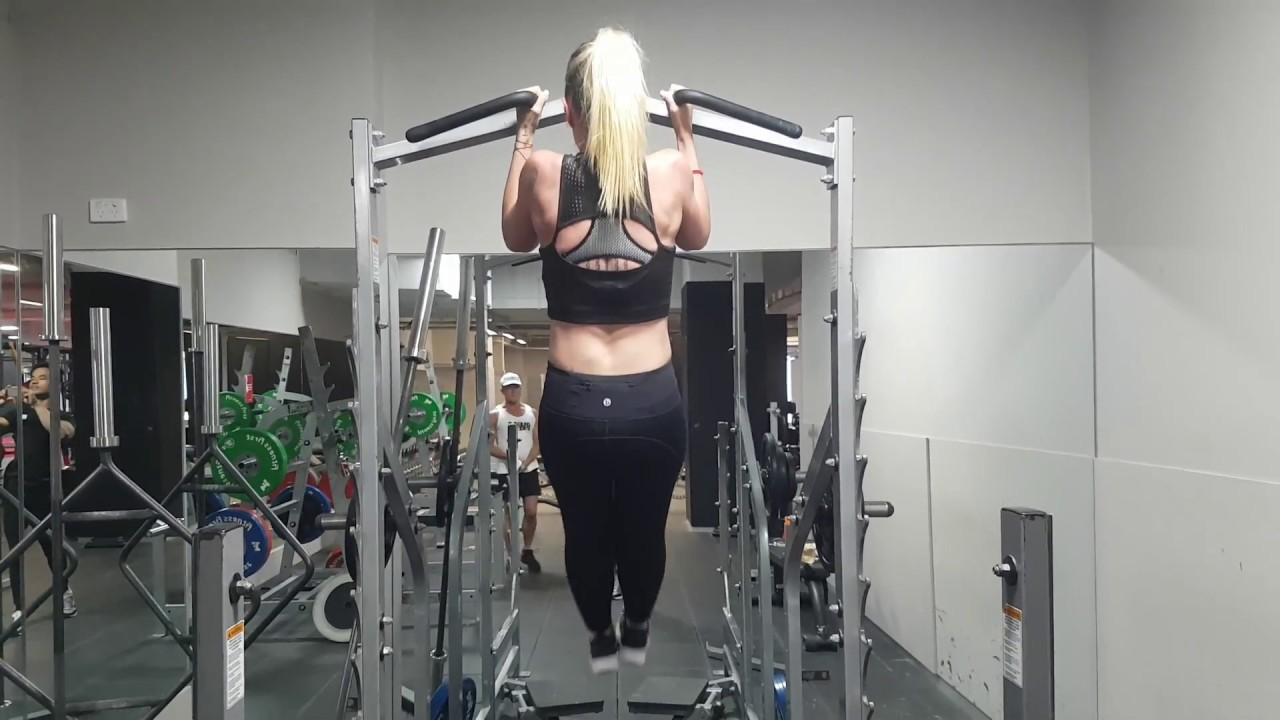 Amanda: Chinup progression