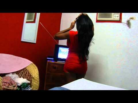 Chica Cubana en Rojo, Santiago De Cuba