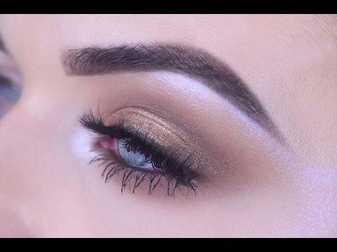 Bronze Shimmer Eye Makeup for Blue Eyes