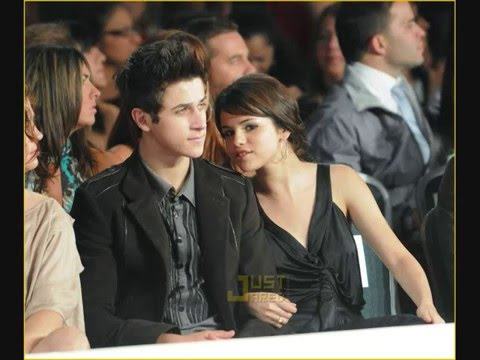 Selena dating david henrie