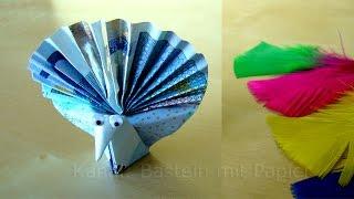 Geldschein falten: Pfau - lustige Geldgeschenke basteln zur Hochzeit - Origami Vogel